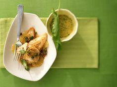 Schollenfilet mit Aioli ist ein Rezept mit frischen Zutaten aus der Kategorie Dips. Probieren Sie dieses und weitere Rezepte von EAT SMARTER!