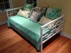 DIY Daybed...so smart, use old railing, some square tubing and call it a day(bed) !