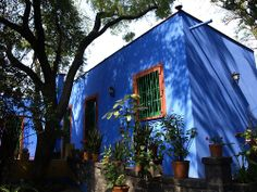 La Casa Azul (The Frida Kahlo Museum). Images by Flickr users:...