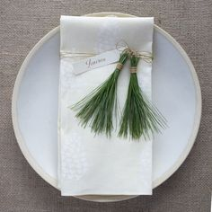 David Stark Design DIY pine tasseled table setting | Remodelista