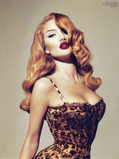 Pinup style hair