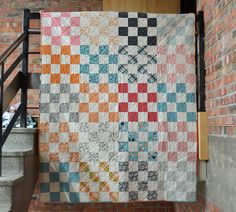 The Picnic Quilt - Ta Da! (she can quilt) Backing A Quilt, Strip Quilts, Scrappy Quilts, Easy Quilts, Quilt Blocks, 16 Patch Quilt, Postage Stamp Quilt, Picnic Quilt, Quilt Patterns