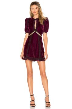 Looking for Riley Dress Tularosa - women fashion dresses ? Check out our picks for the Riley Dress Tularosa - women fashion dresses from the popular stores - all in one. Trendy Dresses, Women's Fashion Dresses, Trendy Clothing, Pop Fashion, Fashion Looks, Feminine Fashion, Fashion Ideas, Latest Fashion For Women, Womens Fashion