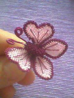Kelebek modeli. İster broş, ister trsbih, ister toka zevk sana kalmis ;)