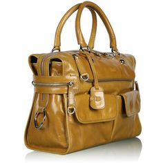 Oh wow. This is fab. I'm loving all the bags I'm seeing this season. It's like everything was tailor made for me.=D