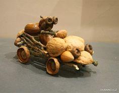 Auto s dubánkem Car with a dubai 🙂 Acorn Crafts, Pine Cone Crafts, Wood Crafts, Cute Crafts, Diy And Crafts, Crafts For Kids, Arts And Crafts, Autumn Crafts, Nature Crafts