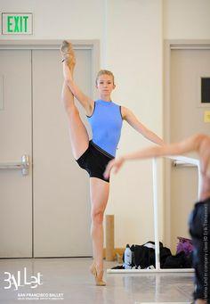 Kristina Lind of San Francisco Ballet in company class. Photo (c) Erik Tomasson.