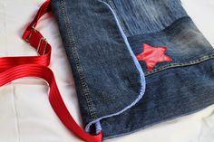 Laptoptasche aus alten Jeans, Wachstuchresten und einem Vorhang / Laptop bag made from old pairs of jeans, curtain and scraps of waxed cotton / Upcycling