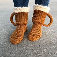 Øl Sokker pattern by Silje Mari Dale Crochet Socks Pattern, Crochet Slippers, Easy Crochet Patterns, Knit Crochet, Knitting Patterns, Knitting Socks, Baby Knitting, Knitted Hats, Beer Can Hat