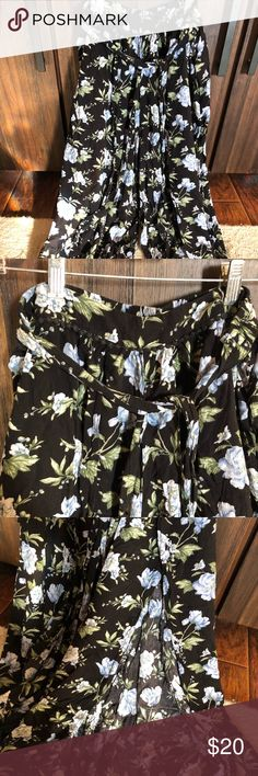 b1e0b78bfe American Eagle Outfitters wise leg pants American Eagle Outfitters Size: Large  Wide leg lightweight pant