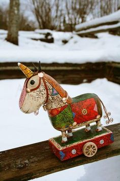 41 ideas diy paper mache horse for 2020 Paper Toy, Diy Paper, Paper Crafts, Diy Jewelry Holder Tree, Teen Girl Crafts, Circus Crafts, Diy Outdoor Weddings, Knitted Hats Kids, Personalised Gifts Unique