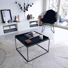 Hay Tray Table & Bertoia Diamond Chair » INSTA DIARY | MODEROSA