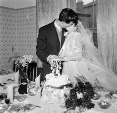 1950s East End London, wedding cake