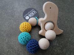 Rasseln & Greiflinge - Greifling *freie Farbwahl* Beißring Holz - ein Designerstück von schoen_und_selbstgemacht bei DaWanda