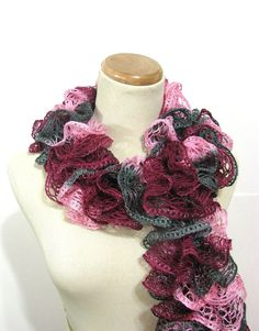 These ruffles scarves are just so pretty! I want one!!! Hoping my MIL Joyce will help me figure out how to do this!!!!