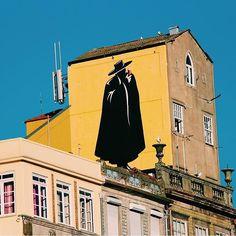 Colours of this city #visitporto #followporto -- Cores desta cidade #visitporto #followporto Credits: @meetmeatporto #igers_porto #igersportugal #igersopo #igers_opo #ig_travel #travelgram #igers_travel #travel #explore #traveling #momondo #natgeotravel #viagem #tourism #turismo #visitportugal #travelbloggers #traditional #lonelyplanet #porto #beautifuldestinations #vsco #citybreak #worldheritage #yellow #sandeman #portwine by visitporto