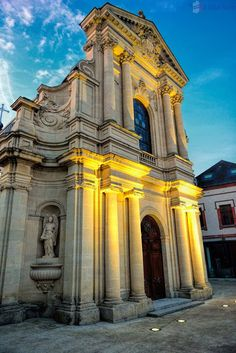Lisieux – Introduction – Travel Information and Tips for France