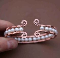Bracelet - wire  pearls