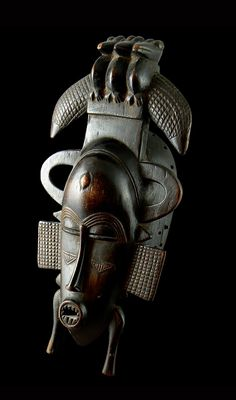 Senufo Kpeliye'e Mask, Wood with dark brown patina, Ivory Coast. Totems, Art Tribal, African Crafts, African Sculptures, Art Populaire, Art Premier, Statues, Africa Art, Art Sculpture