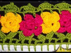 Neste vídeo você vai aprender a fazer um lindo barrado com flores de crochê. Você vai aprender o passo a passo nesta videoaula grátis do Artesanatofofo Aulas...