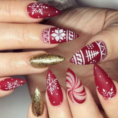 Christmas Nail Art in Gold, White and Red Colors ★ See more: http://glaminati.com/christmas-nail-art-gold-white-red/