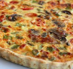 Quiche de Legumes - www. Vegetarian Pasta Recipes, Vegan Recipes, Snack Recipes, Cooking Recipes, Quiches, I Love Food, Good Food, Yummy Food, Portuguese Recipes