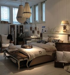 slaapkamer on pinterest shutters headboards and bedrooms