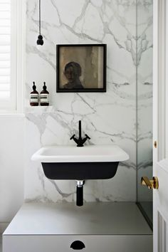 interior by paul hecker of hecker guthrie. via: the design files. Bad Inspiration, Bathroom Inspiration, Home Decor Inspiration, Black Sink, White Sink, White Marble, Black Taps, Best Bathroom Designs, Bathroom Ideas