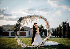 Rich Lifestyle, Luxury Lifestyle, Wedding Dresses, Artist, Instagram, Fashion, Bride Dresses, Moda, Bridal Gowns