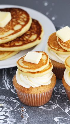 Dessert for breakfast, anyone? Your breakfast routine, now with more frosting. (cupcake icing designs)