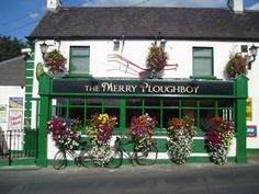 The Merry Ploughboy Irish Music Pub in Dublin reflects all that is great about Irish Pubs including the best Irish music and dancing show in Ireland. Shuttle service from Dublin city centre. Ireland Vacation, Ireland Travel, Dublin Pubs, Dublin Ireland, Dublin Bay, Irish Eyes Are Smiling, Celtic Music, Irish Traditions, Republic Of Ireland