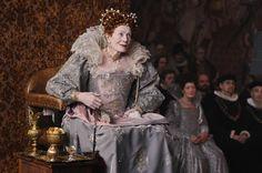 Anonymous, Roland Emmerich, 2011. Vanessa Redgrave es Isabel I,  en esta película sobre quién escribió realmente las obras de Shakespeare. El vestuariode Lisy Christl es maravilloso