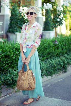 Love the pastel and floral sheer fabrics paired with the subtle animal print bag and metallic sandals!