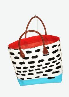 ¡Me encanta este bolso de Tsumori Chisato, tan gatuno e inspirador =^-^=!