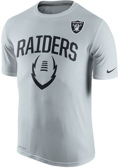 50eacc410819e Nike Men s Oakland Raiders Legend Icon T-Shirt Dallas Cowboys Outfits