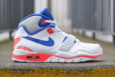 One of the more identifiable colorways by Nike will be coming back this season. Introducing the Nike Air Trainer SC II in Ultramarine, the perfect tribute to Best Sneakers, Air Max Sneakers, Sneakers Fashion, Sneakers Nike, Nike Trainers, Custom Sneakers, Hypebeast, Tenis Basketball, Cheap Nike Air Max