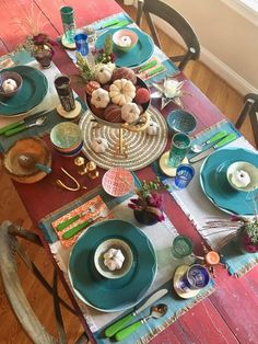 The holidays are rapidly approaching  and setting the table for a Friendsgiving dinner party has never been so much fun. Create a colorful boho chic tablescape with mix and match glassware, plates and bowls and eclectic Fall decor from HomeGoods. Sponsored Happy By Design
