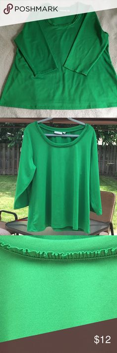 Kelly green Butterknit top by Susan Graver-XL. Bright Kelly green Butterknit top by Susan Graver 1X. 3/4 sleeves with cute ruffle trim around neckline. Butterknit material is stretchy and smooth. 92% polyester/ 8% spandex. Very good condition as seen in photos. No stains. No tears. Smoke free home. Susan Graver Tops Blouses