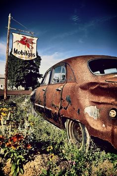 Vintage Mobilgas Service Station Sign & Rusty Old Car!