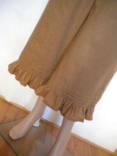 womens linen pant bloomer, linen knickers, wide leg pants, loose baggy ruffle pant made to order Plazzo Pants, Salwar Pants, Women's Pants, Kurti Designs Party Wear, Kurta Designs, Linen Pants Women, Pants For Women, Women Trousers, Sleeves Designs For Dresses