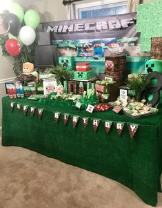 Check out the cool minecraft birthday party! Army Birthday Parties, Army's Birthday, Birthday Table, Birthday Ideas, Minecraft Birthday Invitations, Minecraft Birthday Party, Meme Party, Party Ideas, Minecraft Party Decorations
