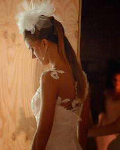 In attesa di fare il primo passo sulla passerella. Abito @magnanisposa  Model: Carlotta Barsotti  #cappello #cappelli #hat #instalike #instafun #instalife #fashion #womenfashion #madeinitaly #livorno #madeinitaly #moda #modadonna #fascinator #artigianato #modisteria #modella #modelle #fashionphoto #accessori #stile #style #l4l #concorso #modella #modelle #bellezza #model #girl
