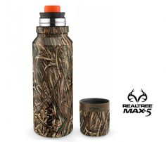 FreeFlow Realtree Max-5© Camo (24oz and 40oz) -- Technical and streamlined, the redesigned FreeFlow lid with AUTOSEAL® technology boasts a high flow rate making it the new reference point for portable, insulated, one-handed hydration for both hot and cold liquids.