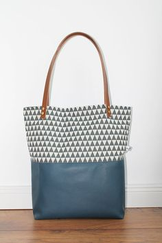 Blaue Canvas Tasche mit Mustern / blue bag with pattern by duftesachen-berlin via DaWanda.com