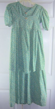 Mennonite Dress & Matching Smock Apron Modest Handmade 38B/34W  I really like this for a maternity dress idea~