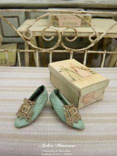 Maison de poupées miniature échelle 1//12th Boîte de Couture Patterns