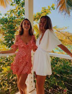 Summer Fashion Tips girls-relate.Summer Fashion Tips girls-relate Cute Friend Pictures, Best Friend Pictures, Friend Pics, Preppy Outfits, Mode Outfits, Shooting Photo Amis, Shotting Photo, Insta Photo Ideas, Cute Friends