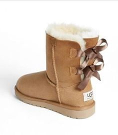 Tan baliey bow uggs