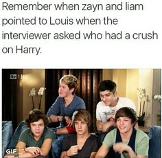 Liam is pointing too! One Direction Humor, One Direction Pictures, I Love One Direction, Larry Shippers, Mutual Respect, Mr Style, Louis And Harry, 1d And 5sos, Larry Stylinson