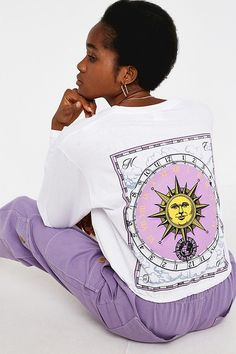 Shop UO Sun Compass Long-Sleeve Skate T-Shirt at Urban Outfitters today. Skate Shirts, Cool Shirts, T Shirt Crop Top, Crop Tops, Estilo Hippy, T Shirts For Women, Clothes For Women, Pop Fashion, Aesthetic Clothes